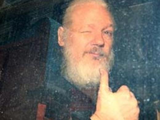 Με αφορμή την περίπτωση του Assange (styx.gr)